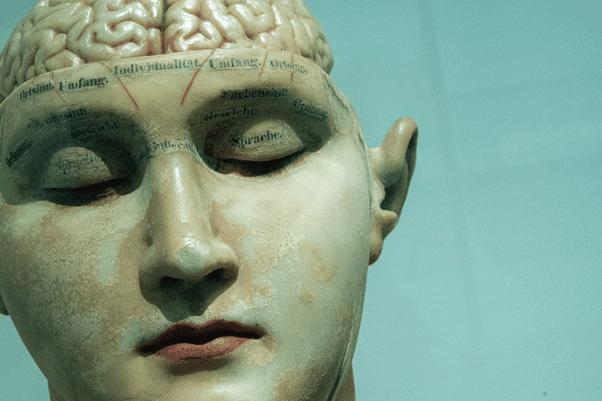 Multitaskingul îți reduce Coeficientul de Inteligență (IQ)